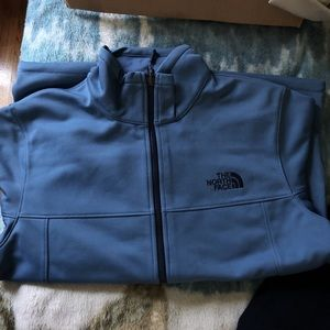 The North Face wind jacket excellent condition